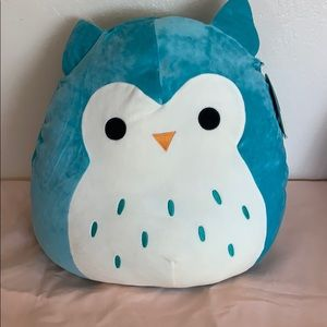 Blue owl squishmellow NWT
